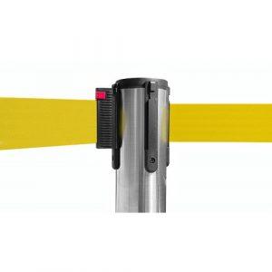 colonnina-segna-percorso-acciaio-base-piatta-nastro-giallo-3-metri-1